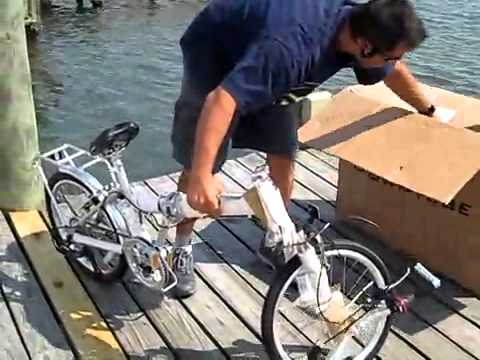 Велосипед Unpacking a Downtube Folding Bicycle Велосипед