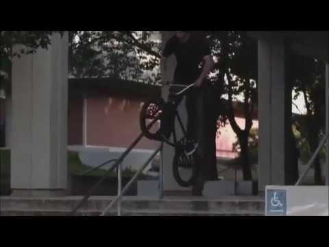 BMX AWESOME GARRETT REYNOLDS / REDBMX
