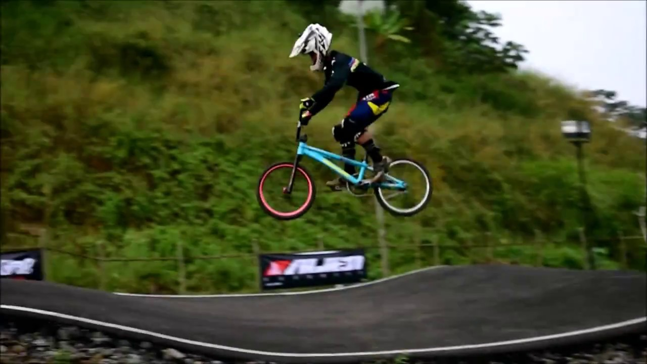 BMX & MTB Pump Track Race
