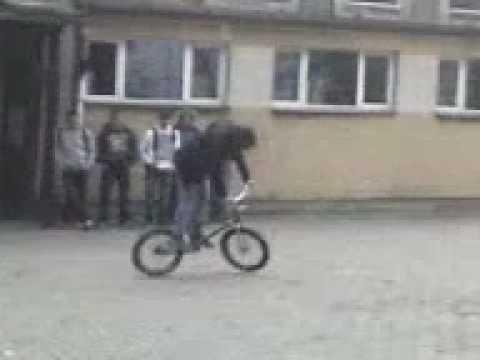 "Czarnków ZSP na górce ""Mam talent"" Stunt na BMX"