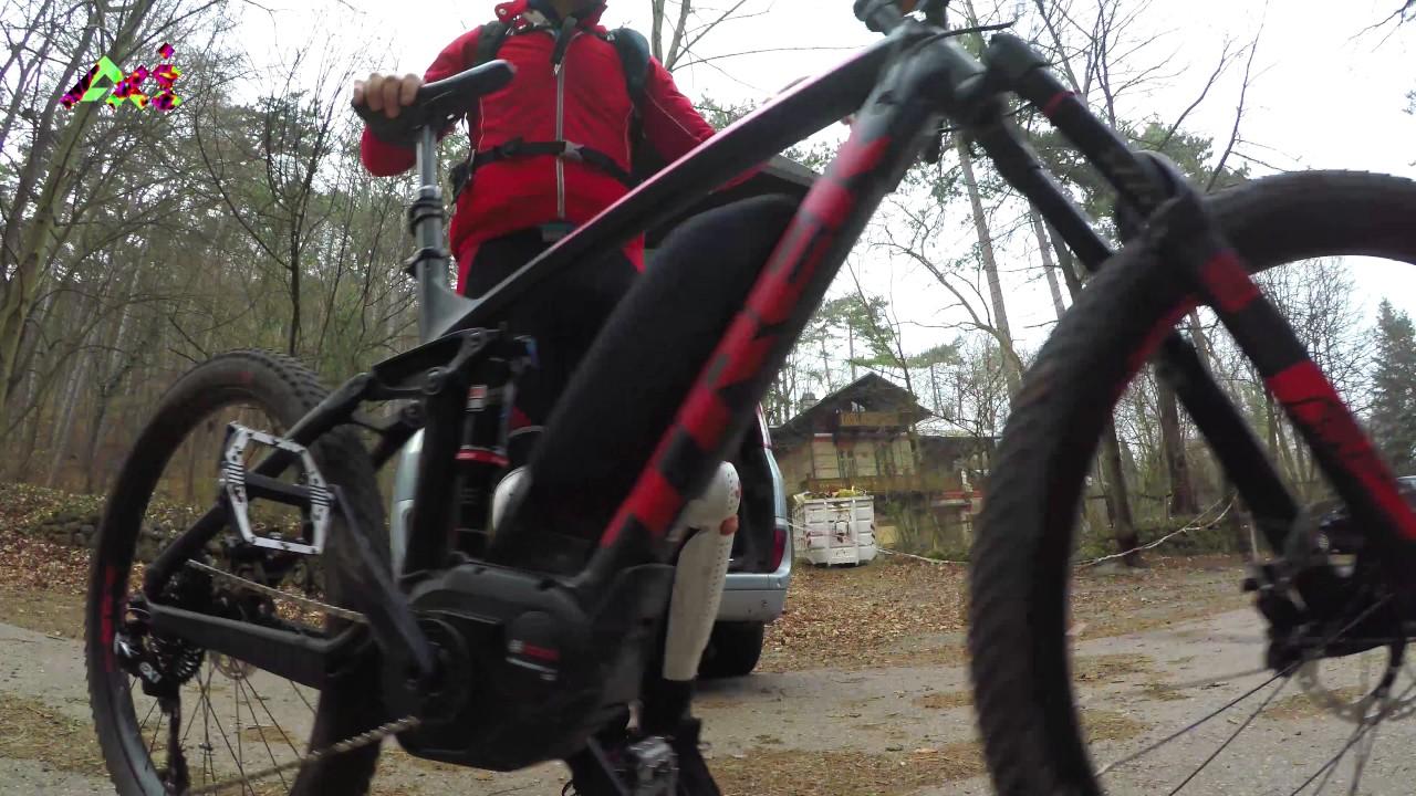 EMTB Wheelie