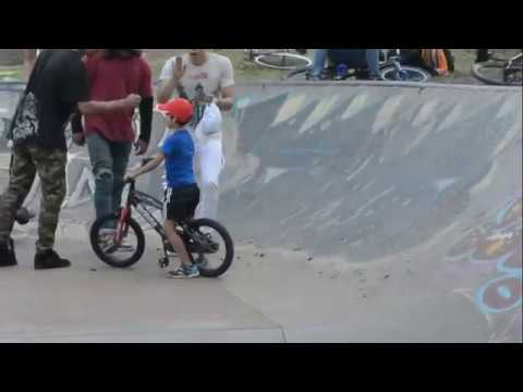 Escuela tripas BMX Cali, freestyle, Park, Street
