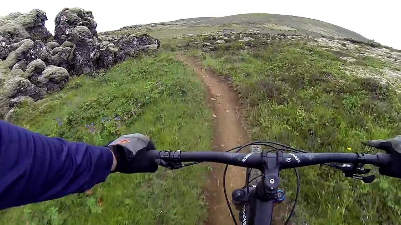 Mountain biking - Down the edge trail in Iceland