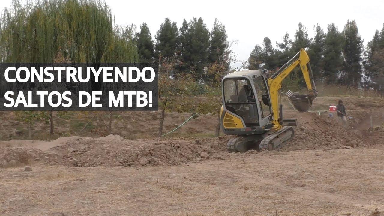 Trail Building - Construyendo Saltos de Mountain Bike con la Mini Excavadora!