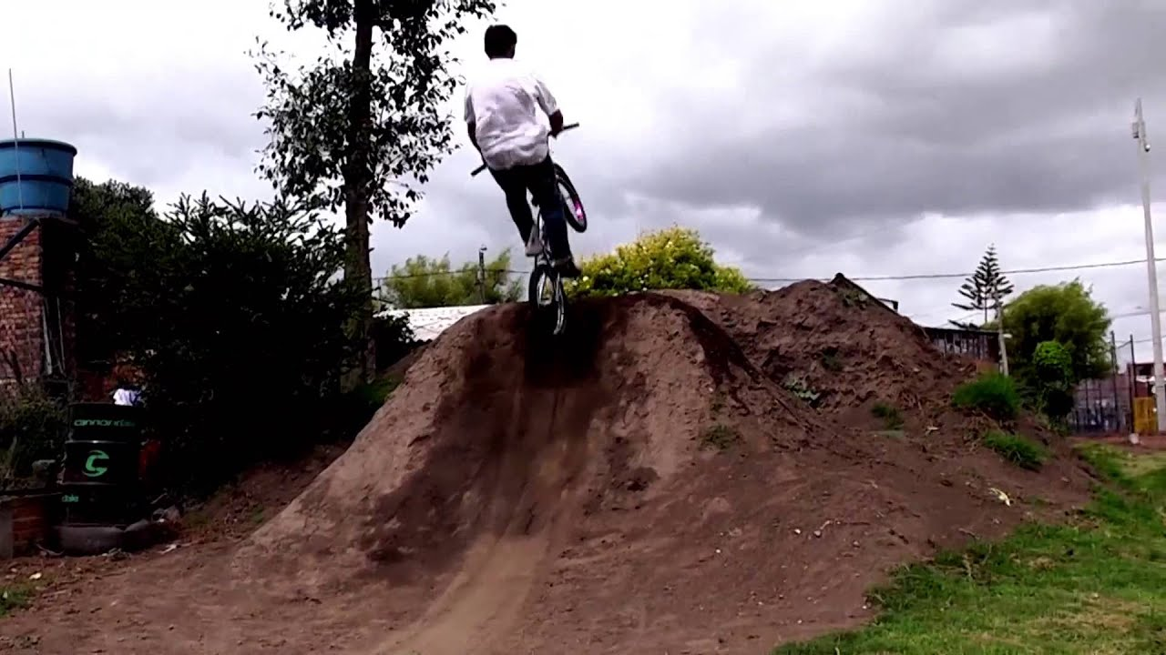 Alejandro Ordoñez // Dirt Jump Bmx // Cota Cundinamarca // // Zorg Producción AudioVisual