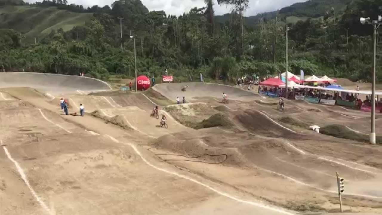Q1 Damas 15-16 Nacional BMX  2015.  Ciudad de Manizales, Caldas, Colombia