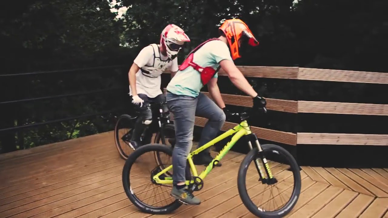 "DIRT vs BMX RACE 2.0 _ Tristan Botteram - Djeronimo Slots "" by Stunts bike with golu"