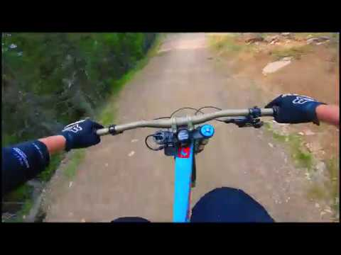 Testing my New Pivot phoenix Downhill bike on hafjell bikepark.