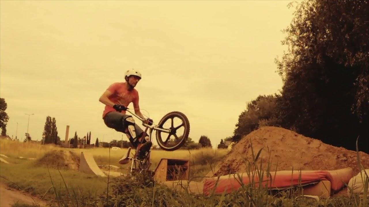 Captain Drop, eine Reise durch die Zeit auf dem BMX und Mountain Bike.