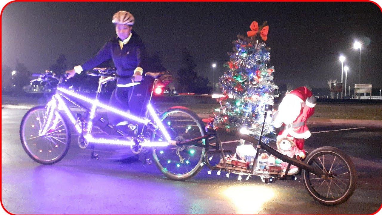Polar Express Tandem Bike + Christmas Lights & Music = Decorated Bike | #TANDEMADVENTURERS