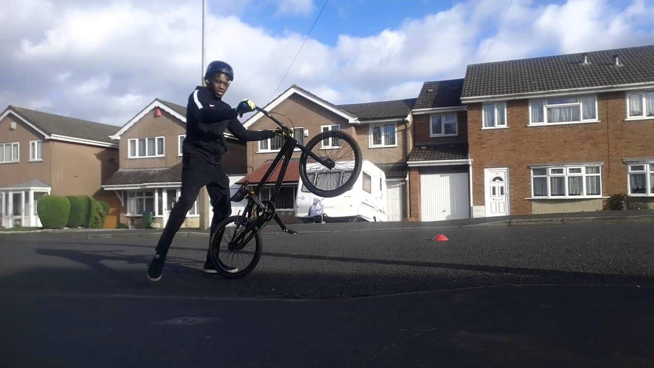 Beginners pedal wheel practice bmx race bike.