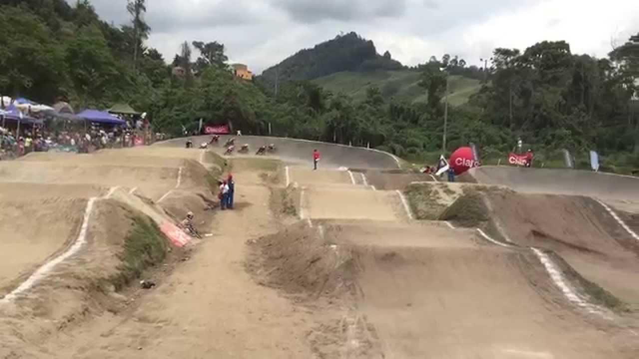 Elite Men Gran Nacional BMX  2015. Pista BMX Bosque Popular Ciudad de Manizales, Caldas, Colombia