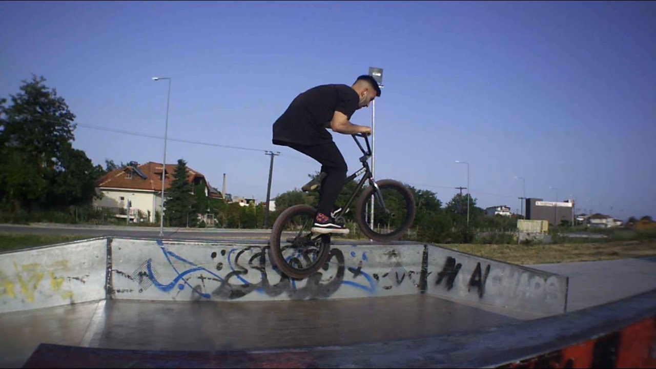 Feeble Hard 180 | BMX