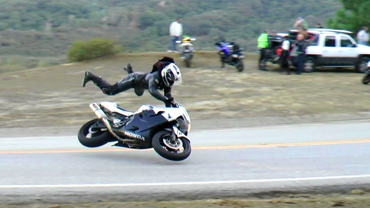 HECTIC Road Bike Crashes & Unlimited Motorcycle Fails [Ep.25]